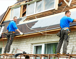 Columbus NE 's Leading Roof Installation Company - Universal Roofing - men